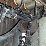 Mocowanie przewodów, stycznik ST2 oraznagórze rezystory R4-R5-R6